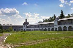 Μοναστήρι υπόθεσης Tikhvin, ρωσικός ένας ορθόδοξος, (Tihvin, περιοχή Αγίου Πετρούπολη, της Ρωσίας) στοκ εικόνα