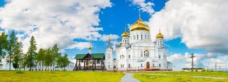 Μοναστήρι Belogorsky σε Perm Krai, Ρωσία πανόραμα Στοκ Εικόνες