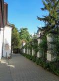 Μοναστήρι hodos-Bodrog - δευτερεύουσα είσοδος στον κήπο του μοναστηριού Στοκ εικόνα με δικαίωμα ελεύθερης χρήσης