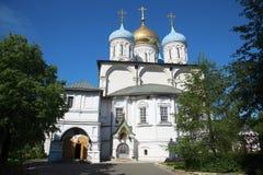 Μοναστήρι Novospassky καθεδρικών ναών μεταμόρφωσης στη Μόσχα Στοκ εικόνα με δικαίωμα ελεύθερης χρήσης