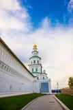 μοναστήρι novospassky Νέο μοναστήρι του λυτρωτή Ρωσία Istra Τοίχος φρουρίων στο υπόβαθρο του μπλε ουρανού Στοκ φωτογραφίες με δικαίωμα ελεύθερης χρήσης