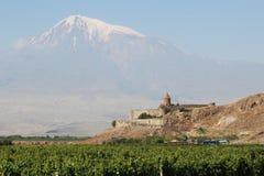 Μοναστήρι Virap Khor, Αρμενία, με το υποστήριγμα Ararat στο υπόβαθρο Στοκ Εικόνες