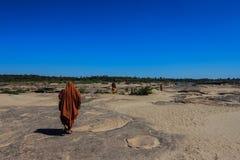Μοναχοί προσκυνήματος στην Ταϊλάνδη στοκ φωτογραφία