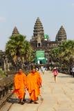μοναχοί angkor wat Στοκ φωτογραφία με δικαίωμα ελεύθερης χρήσης