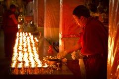 Μοναχός κεριών του μοναστηριού Lhasa Θιβέτ Drepung στοκ φωτογραφία με δικαίωμα ελεύθερης χρήσης