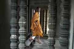 Μοναχός σε Angkor Wat. Το Siem συγκεντρώνει. Καμπότζη Στοκ φωτογραφία με δικαίωμα ελεύθερης χρήσης