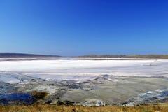 Μοναδική αλατισμένη λίμνη Chokrak Στοκ Εικόνες