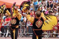 Μονομαχία χρυσή Ο ανταγωνισμός μεταξύ της σημαίας διστάζει Στοκ φωτογραφίες με δικαίωμα ελεύθερης χρήσης