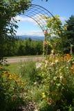μονοπάτι κήπων στοκ εικόνα με δικαίωμα ελεύθερης χρήσης