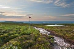 Μονοπάτι στο γυμνό βουνό Στοκ φωτογραφία με δικαίωμα ελεύθερης χρήσης