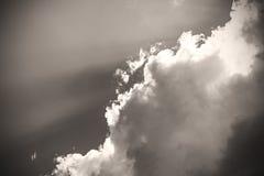 Μονοχρωματικές ηλιοβασίλεμα και ανατολή ουρανού σύννεφων εικόνων σεπιών, γραπτά Στοκ Εικόνα