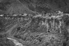 Μονοχρωματική εικόνα του ποταμού και του Banos Pastaza στον Ισημερινό Στοκ εικόνες με δικαίωμα ελεύθερης χρήσης