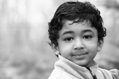 μονοχρωματικό μικρό παιδί π&o στοκ εικόνες