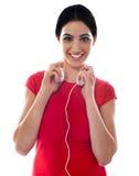 μοντέρνα ακουστικά κοριτσιών Στοκ φωτογραφίες με δικαίωμα ελεύθερης χρήσης