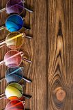 Μοντέρνα πολύχρωμα γενικά γυαλιά ηλίου hipster Στοκ Φωτογραφία