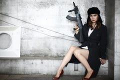 μοντέρνη γυναίκα τουφεκι στοκ εικόνες με δικαίωμα ελεύθερης χρήσης