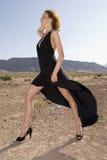 μοντέρνη ψηλή γυναίκα στοκ φωτογραφία