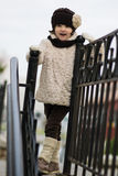 μοντέρνο κορίτσι ενδυμάτω& Στοκ φωτογραφία με δικαίωμα ελεύθερης χρήσης