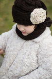 μοντέρνο κορίτσι ενδυμάτω& Στοκ Φωτογραφίες