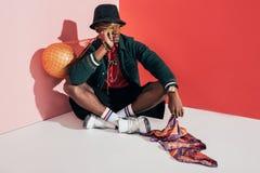 μοντέρνο νέο άτομο αφροαμερικάνων Στοκ Φωτογραφίες