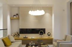 Μοντέρνο πολυτελές δωμάτιο συνεδρίασης στη βίλα στοκ φωτογραφίες