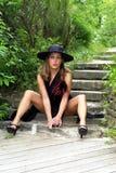 Μοντέρνο Brunette στο καπέλο Στοκ Εικόνα