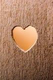 Μορφές καρδιών σε ένα ξύλινο αντικείμενο στοκ φωτογραφίες με δικαίωμα ελεύθερης χρήσης