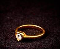 μορφή δαχτυλιδιών καρδιών διαμαντιών Στοκ Εικόνες