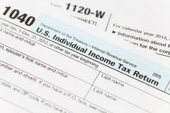 Μορφή εσόδων αμερικανικού φορολογικοου Στοκ φωτογραφία με δικαίωμα ελεύθερης χρήσης