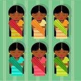 Μορφή Ινδία κοριτσιών με τα παραδοσιακά ενδύματά της Sari διανυσματική απεικόνιση