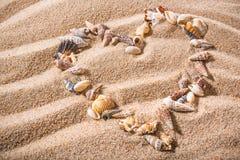 Μορφή καρδιών κοχυλιών θάλασσας Στοκ Φωτογραφίες