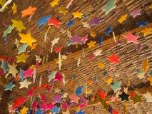Μορφή κεριών αστεριών στη στέγη Στοκ εικόνες με δικαίωμα ελεύθερης χρήσης