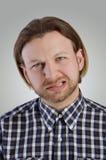 Μορφασμός νεαρών άνδρων Στοκ εικόνες με δικαίωμα ελεύθερης χρήσης