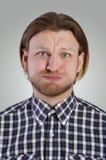 Μορφασμός νεαρών άνδρων Στοκ φωτογραφία με δικαίωμα ελεύθερης χρήσης