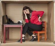 Μορφασμός του πόνου στη επιχειρηματία προσώπου του Στοκ εικόνα με δικαίωμα ελεύθερης χρήσης