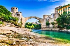 Μοστάρ, Βοσνία-Ερζεγοβίνη - Stari πιό πολύ, παλαιά γέφυρα Στοκ φωτογραφία με δικαίωμα ελεύθερης χρήσης