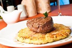 μοσχαρίσιο κρέας rossini κινημ&alpha Στοκ Εικόνες