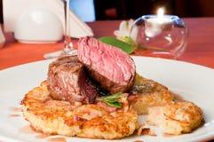 μοσχαρίσιο κρέας rossini κινημ&alpha Στοκ Φωτογραφία