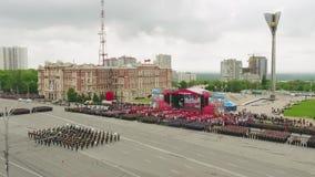 ΜΟΣΧΑ - 9 ΜΑΐΟΥ: Εορτασμός της επετείου της νίκης ημέρα WWII στις 9 Μαΐου 2017 στη Μόσχα, Ρωσία Στρατιωτικός εξοπλισμός απόθεμα βίντεο