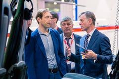 ΜΟΣΧΑ, ΡΩΣΙΑ - 23 ΜΑΐΟΥ 2015: Υπουργός της βιομηχανίας και του εμπορίου της Ρωσικής Ομοσπονδίας Denis Manturov στο HeliRussia 201 Στοκ Φωτογραφίες