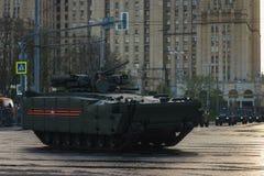 ΜΟΣΧΑ, ΡΩΣΙΑ ΤΟΝ ΑΠΡΊΛΙΟ ΤΟΥ 2019 Παρέλαση του στρατιωτικού εξοπλισμού προς τιμή την ημέρα νίκης στις οδούς της Μόσχας στοκ εικόνες