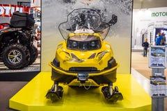 ΜΟΣΧΑ - ΤΟΝ ΑΎΓΟΥΣΤΟ ΤΟΥ 2016: Το όχημα για το χιόνι Stels 800 Βίκινγκ παρουσίασε σε MIAS το διεθνές αυτοκινητικό σαλόνι της Μόσχ Στοκ Εικόνες