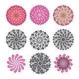 Μοτίβα λουλουδιών με τη μορφή καρδιών Στοκ εικόνες με δικαίωμα ελεύθερης χρήσης