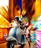 μοτοποδήλατο κοριτσιών & Στοκ Εικόνες