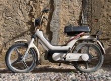 μοτοποδήλατο παλαιό Στοκ Εικόνα
