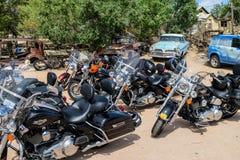 Μοτοσικλέτες στη διαδρομή 66, Hackberry, Αριζόνα, ΗΠΑ Στοκ Φωτογραφία