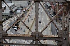 Μοτοσυκλετιστές, άποψη στην οδό από τη γέφυρα του Μπρούκλιν, NYC στοκ φωτογραφίες