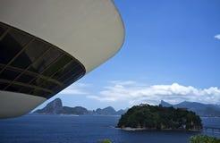 Μουσείο για τη σύγχρονη τέχνη (MAC) στο Niteroi - Ρίο ντε Τζανέιρο Βραζιλία Στοκ Εικόνες