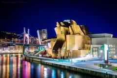 Μουσείο Γκούγκενχαϊμ στο Μπιλμπάο τη νύχτα, Ισπανία Στοκ Εικόνες