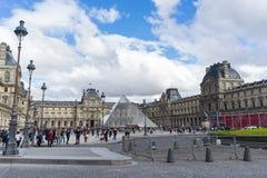 Μουσείο του Λούβρου στο Παρίσι Στοκ φωτογραφία με δικαίωμα ελεύθερης χρήσης